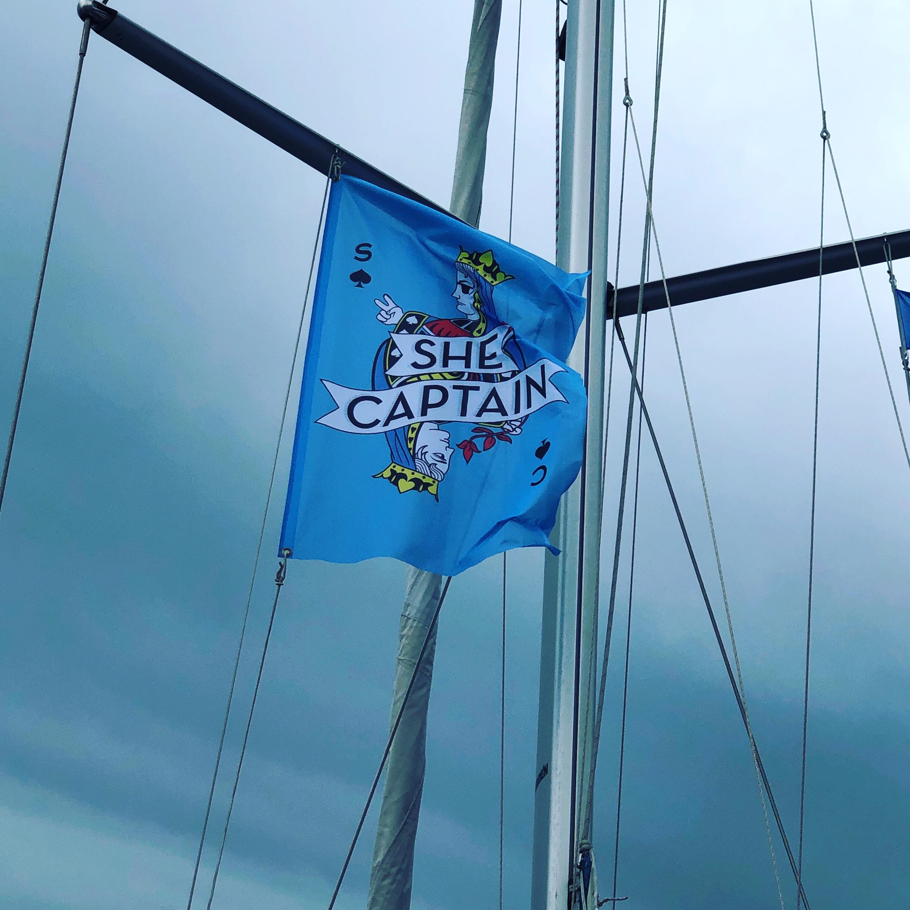 She captain flagga i riggen på Skyfall